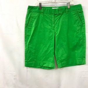 Vineyard Vines Green Bermuda Shorts  Size: 10